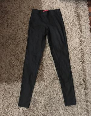Pantalon Negro Traido de Estados Unidos