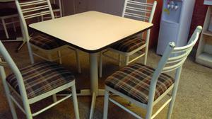 Mesa cuadrada melamina con cuatro sillas