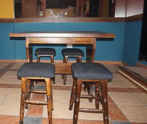 Barra mesas y sillas para video pub posot class for Mesas cuadradas de madera