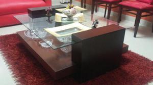 Mesa de centro con vidrio