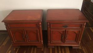 Antiguos veladores de cedro mesas de noche mesas posot class for Mesas de noche de madera