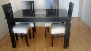 Juego de comedor de madera nogal con mesa posot class for Juego de mesa comedor