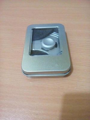 Fidget Spinner de Metal con Caja