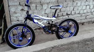 Se Vende Bmx Color Azul Poco Uso