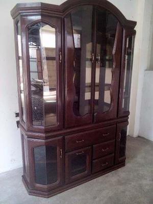 Remato elegante vitrina de comedor con luz posot class - Vitrinas de madera para comedor ...
