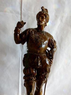 Escultura de Peltre