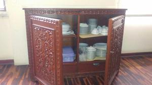 Mueble esquinero en madera tallada para sala posot class for Mueble de sala en madera