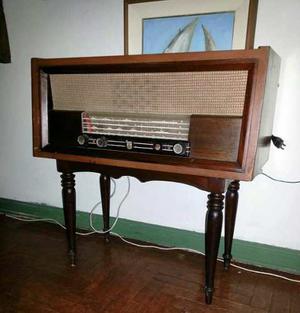 Remato Radio Philips Antiguo Para Decoración