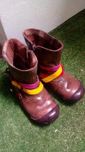 Botas Botin de PURO CUERO niñas talla 26 de marca