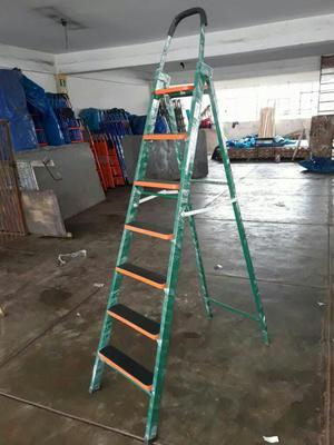 Escalera de Metal, Madera Y Aluminio