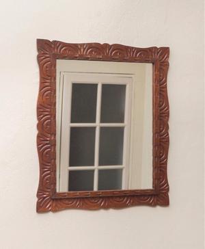 Moderno espejo con fino marco de madera posot class - Espejos marco madera ...