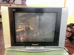 TV PANASONIC DE 21 PULGADAS A COLOR