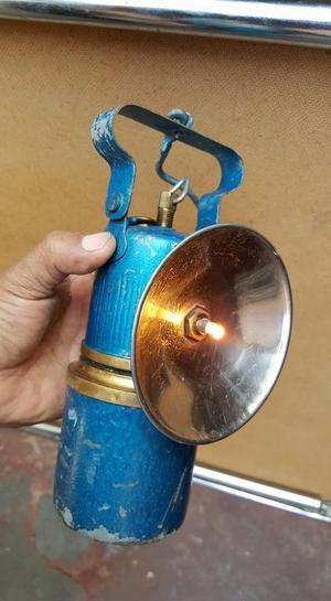 ANTIGUA LAMPARA DE MINERO DE FIERRO Y BRONCE FUNCIONA