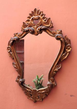 Espejo tallado en madera estilo Luis XV