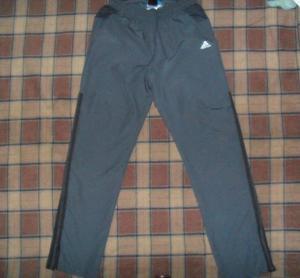 Pantalon buzo Adidas original. talla s