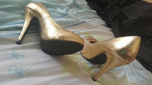 Vendo Zapato de Mujer Tall 36 Semi Nuevo