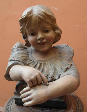 Antigua Escultura europea en Terracota