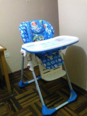 Silla de comer y coche para bebé