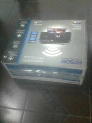 Vendo Impresora Epson XP411 nueva, en caja, a S/. 400