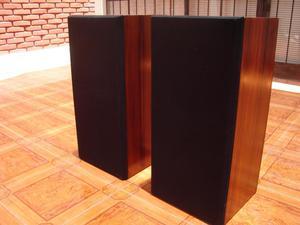 parlantes de madera de 3 vias bien conservados