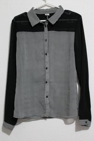 Camisa Negra a Rayas