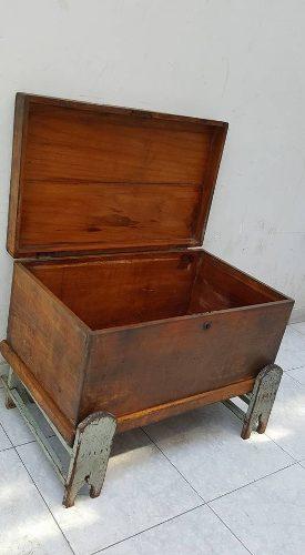 Antiguo mortero de madera posot class - Baul de madera antiguo ...