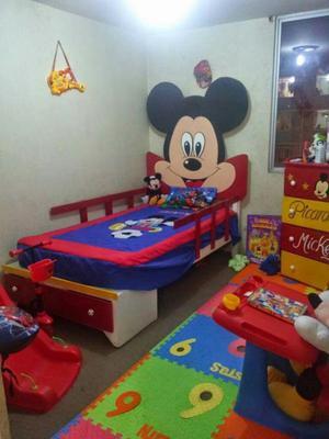 Cama ropero juego dormitorio de minnie mouse posot class for Cama ropero
