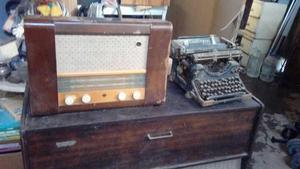 Hermosa Radio Mullard Para Decoracion. Britanica