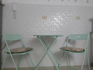Mesa plegable con 2 sillas plegables cocina posot class for Mesa plegable sillas incorporadas