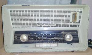 RADIO PHILIPS A TUBOS Modelo: B4X88A