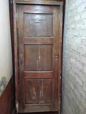 Remate Puerta de Cedro Usada con Chapa