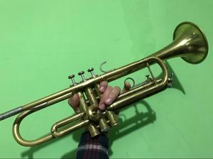 Trompeta Bach Tr300 (Usada) + Estuche