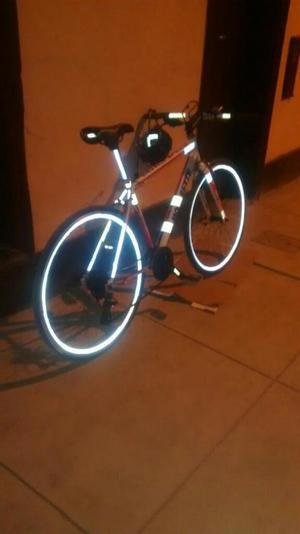 Vendo Bicicleta de Ruta Hibrida 700