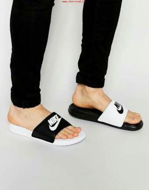 Ocasión Sandalias Nike Benassi Talla 42
