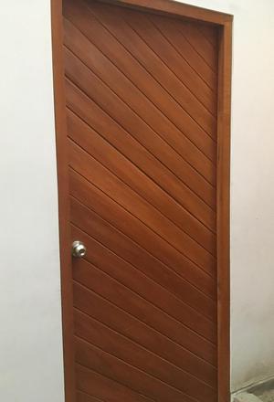Puertas de madera exterior e interior telf posot class for Puertas de madera exterior