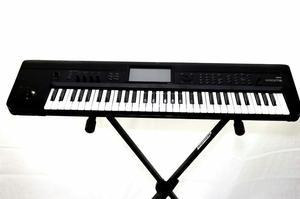 Teclado Piano Krome Korg 61 workstation