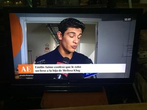 TV LED PANASONIC 32 PULGADAS CON DETALLE