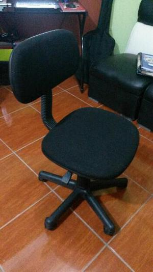 Vendo silla de escritorio sellada