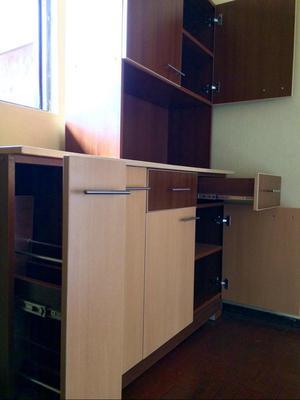 Mueble melamina con divisiones movibles armado posot class for Ofertas muebles de cocina
