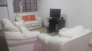 se vende muebles de 3.2.1 de color beygue con sus cojines.