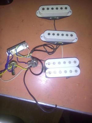 Juego de pastillas y circuito de guitarra stratocaster