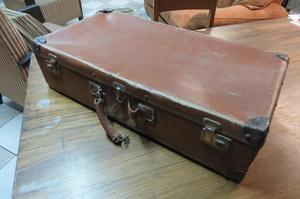 Dos maletas antiguas