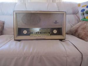VENDO RADIO A TUBOS