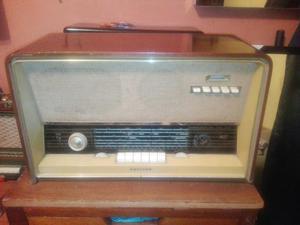 Antigua Radio Philips a Tubos Nf