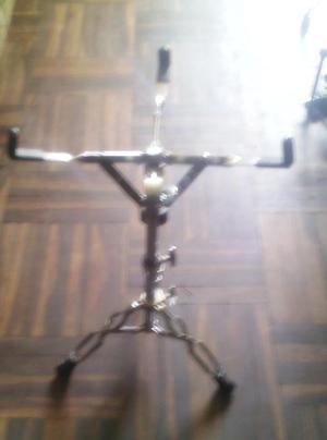 atril maxtone usado en buen estado el mecanismo s/100 lukas