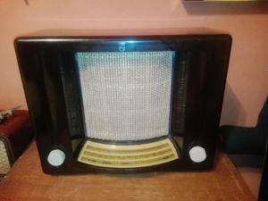 Antigua Radio Philips Matador