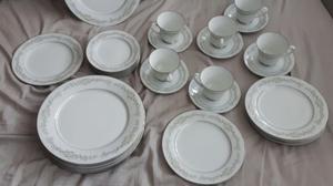 Vajilla de porcelana japonesa noritake posot class for Vajilla porcelana