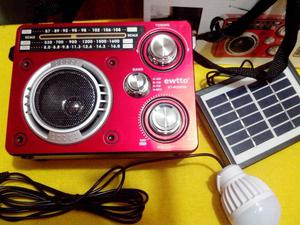 Radio Portatil con Panel Solar