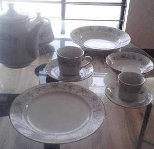 Juego de Vajilla de porcelana para 10 personas 83 piezas