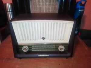 Antigua Radio Telefunken a Tubos